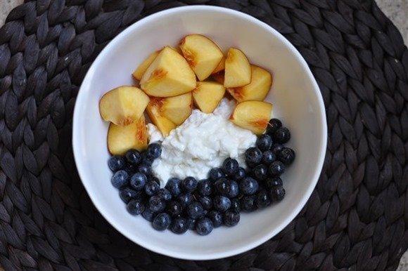 cottage cheese blueberries nectarine