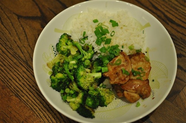 Hello Fresh Sassy Soy Chicken with Roasted Broccoli and Lime Peanut Sauce 2